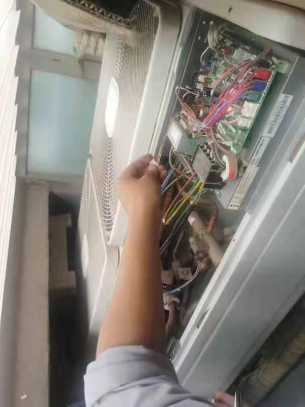 麦克维尔中央空调故障维修案例